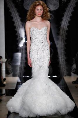 Para una boda de noche, pueden elegir un vestido de novia con pedrería,  textura y aplicaciones ¡Estarán en super tendencia para el 2014!