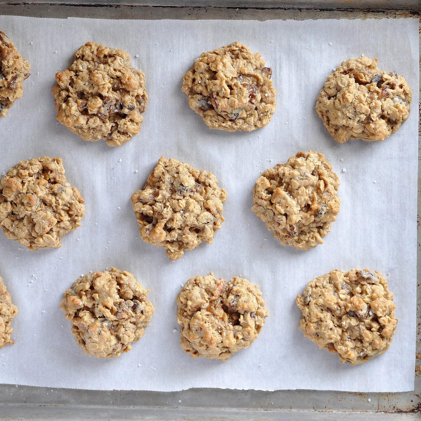 BREANNA'S RECIPE BOX: Toasted Walnut & Raisin Oatmeal Cookies