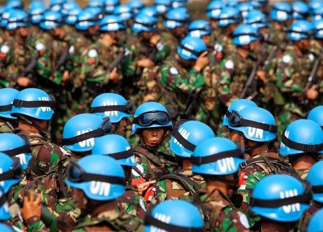 Presidente Poroshenko vuole invitare le forze di pace delle Nazioni Unite in Ucraina.