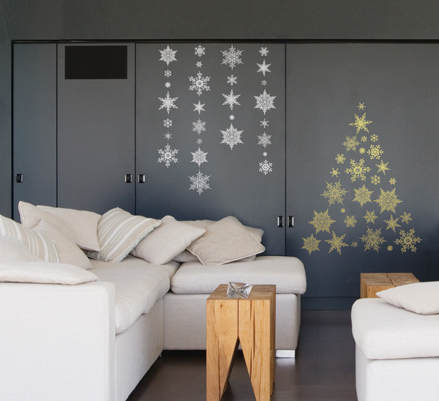 Beautiful New Year Home Decoration Ideas Part - 9: White Sofa Set And Stars New Year Decoration