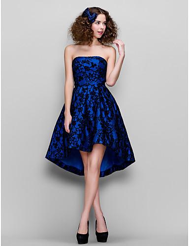 Vestido Azul de Encaje sin Tirantes