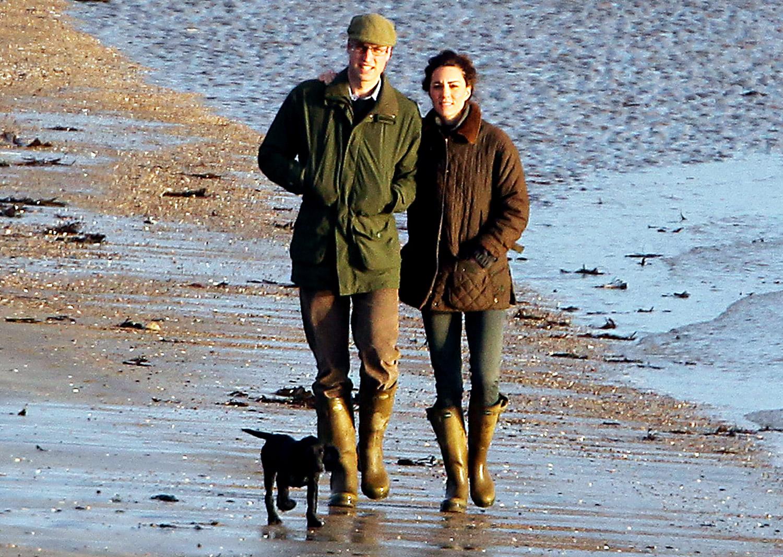 http://1.bp.blogspot.com/-2lpc6x7K_5Q/T5uela-mp-I/AAAAAAAAFnE/lcjVWYmCit4/s1600/Kate-Middleton-and-Husband-2012+Pic+07.jpg