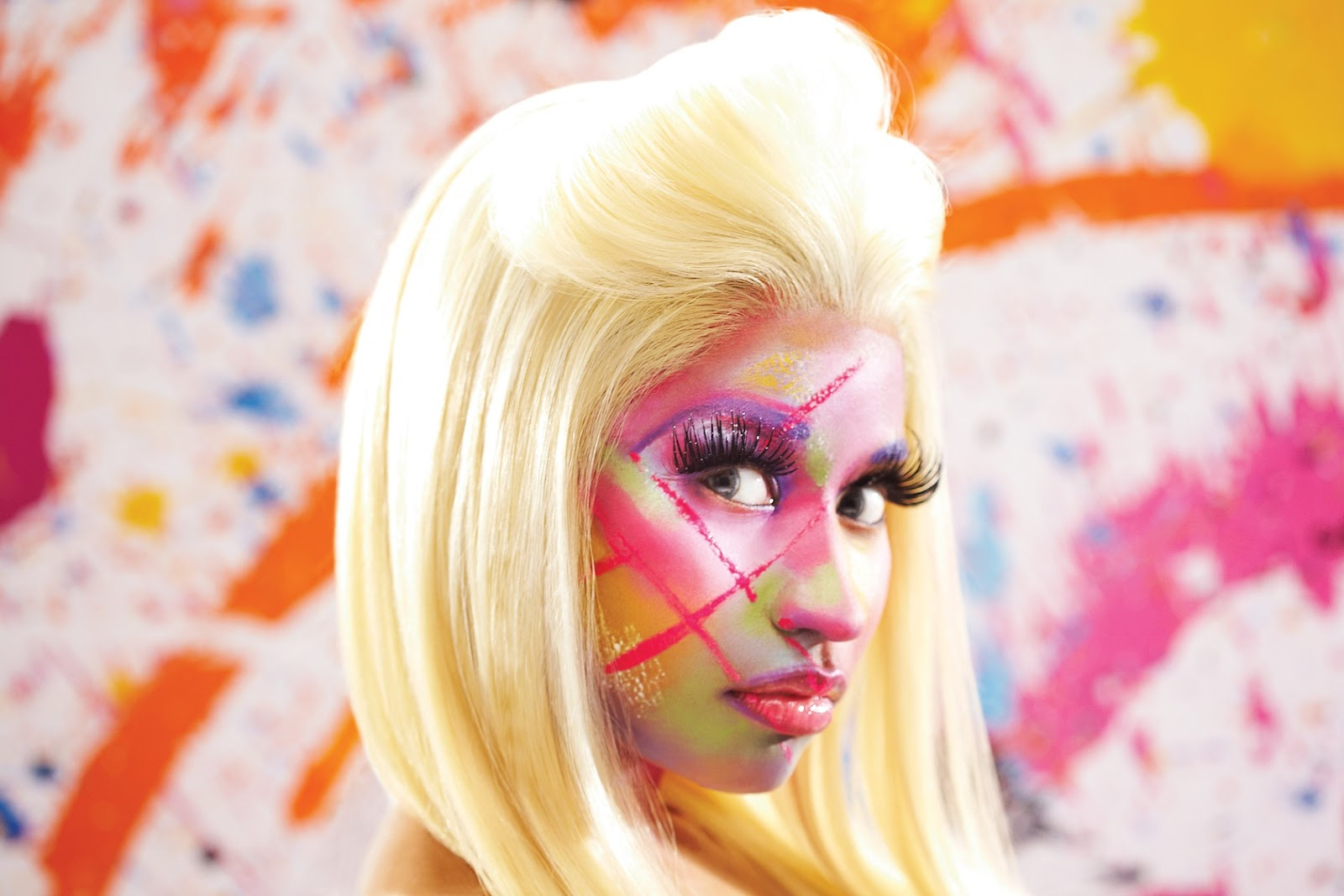 http://1.bp.blogspot.com/-2mQs8Xc-GdA/UJgd2MNmhkI/AAAAAAAAesU/M6WFfBsvM3s/s1600/nicki-minaj-makeup-style.jpg