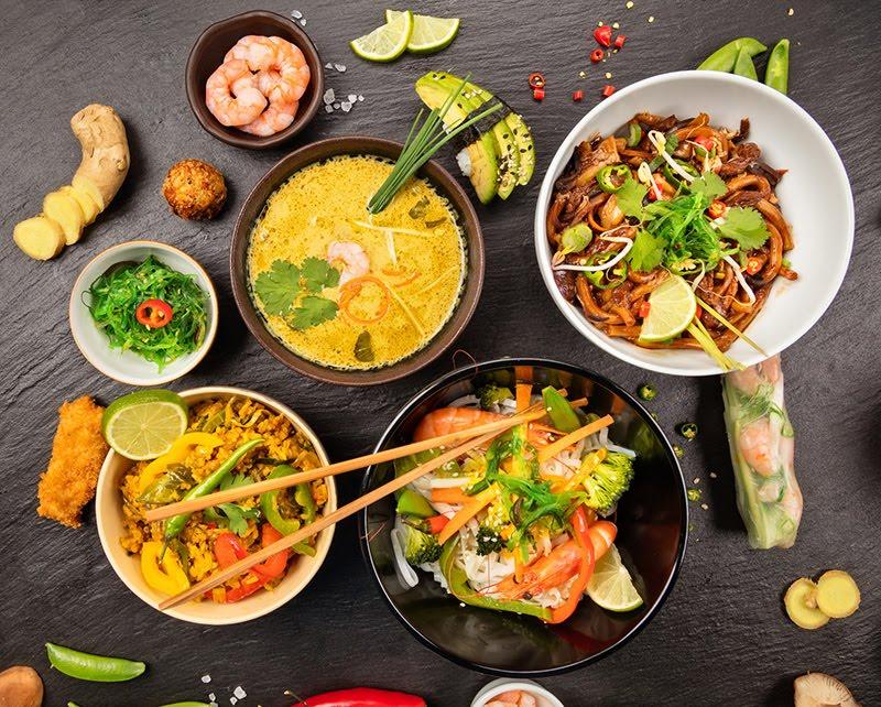 """Pędy bambusa, grzyby shitake i... Zobacz przepisy na typowego """"chińczyka"""" z ryżem"""