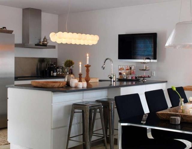 cocina estilo nórdico taburete tolix