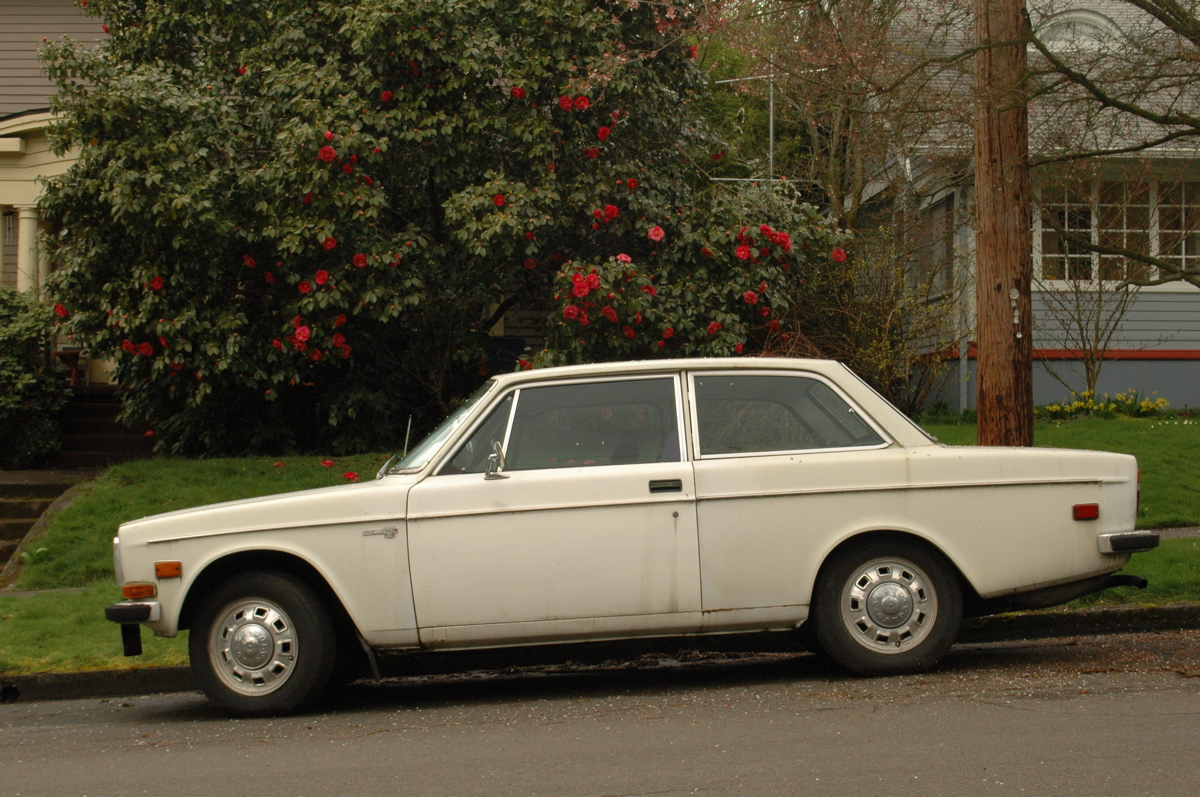 Old Parked Cars 1972 Volvo 142e