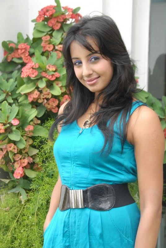 Kannada Mallu Actress Sanjana Latest Spicy PicturePhotos gallery pictures