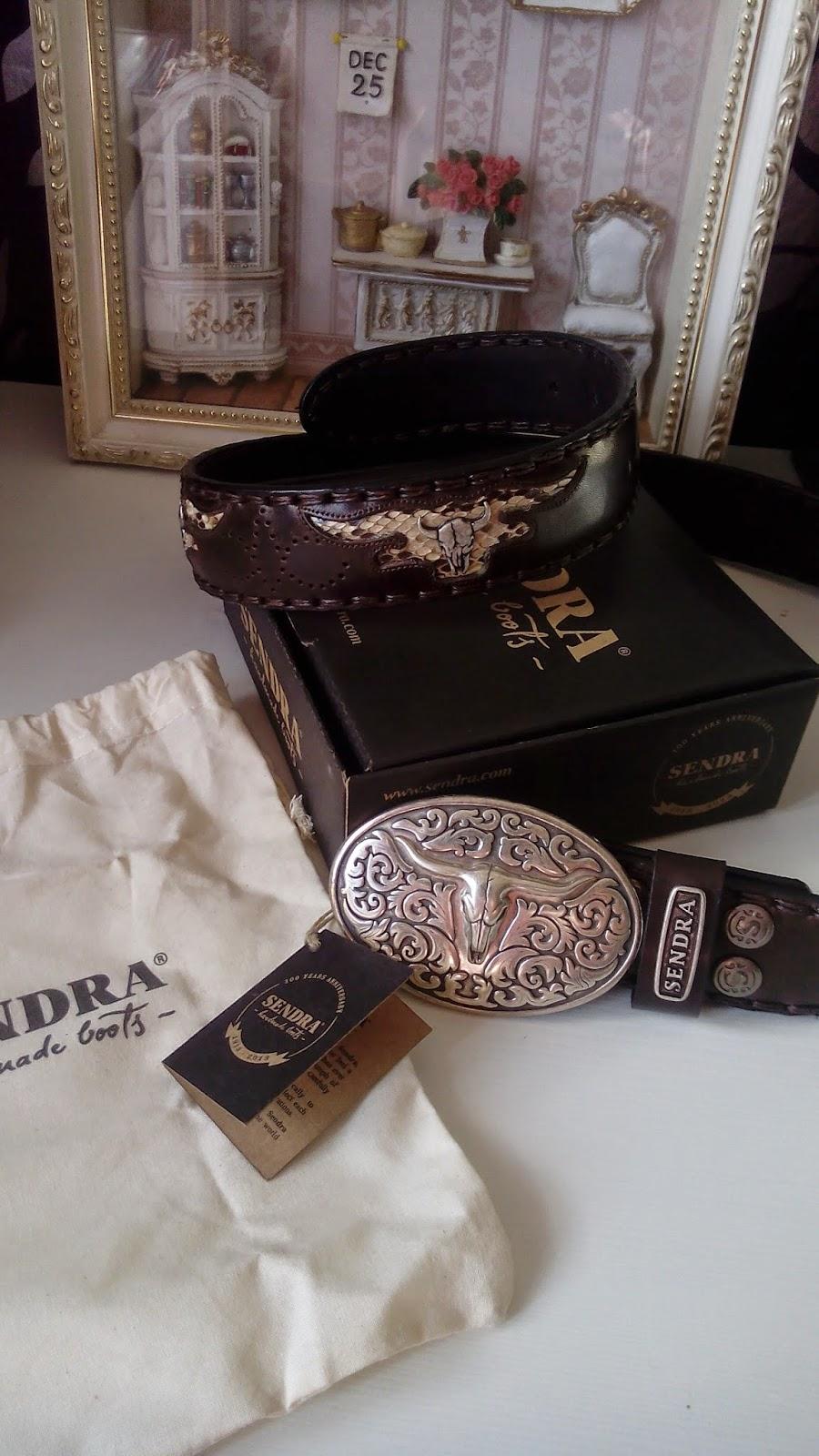 estilo oeste cowboy con Sendra y cinturon de piel de sendra