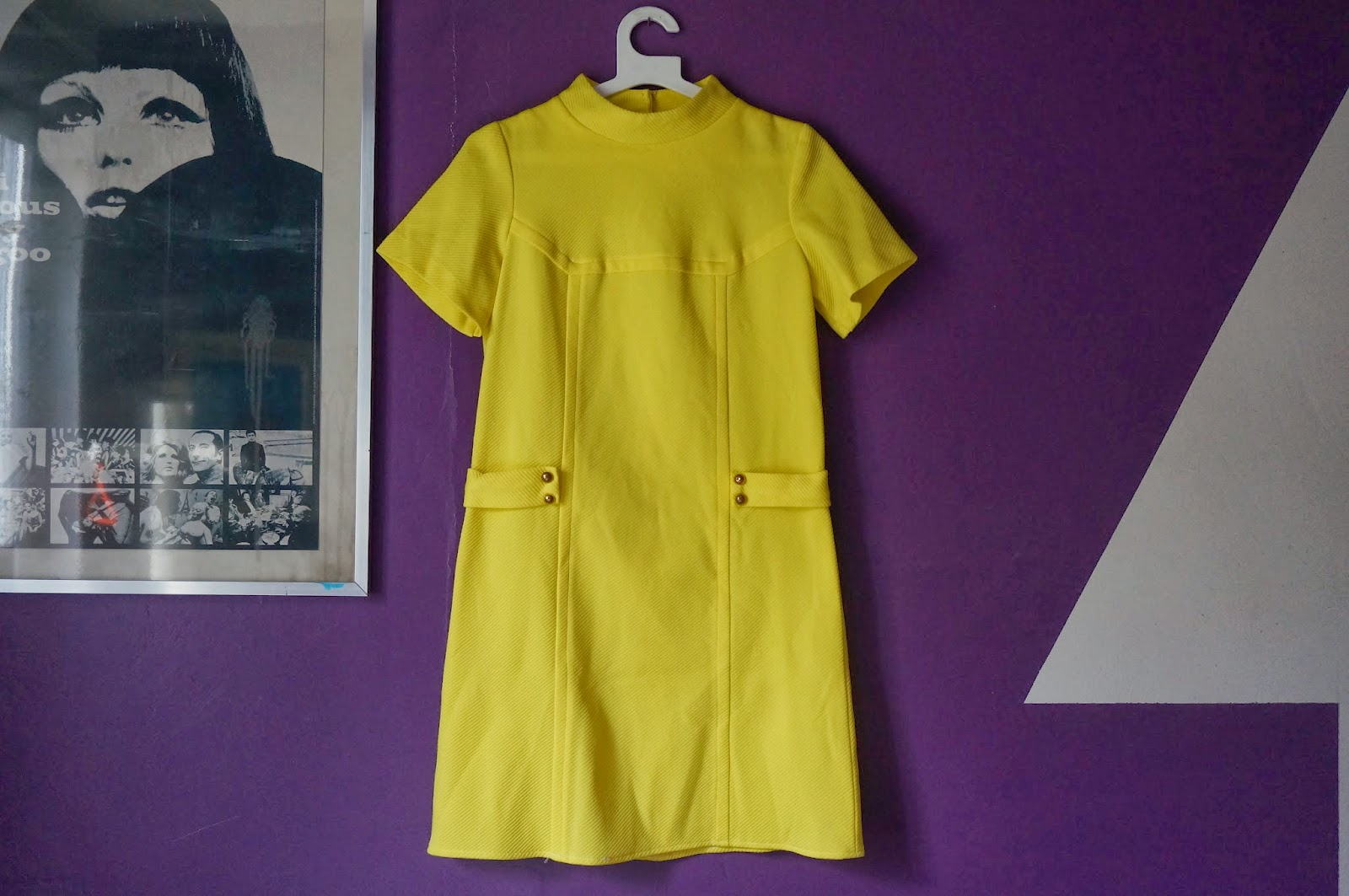 1960 60s mod yellow knit dress twiggy gogo années 60