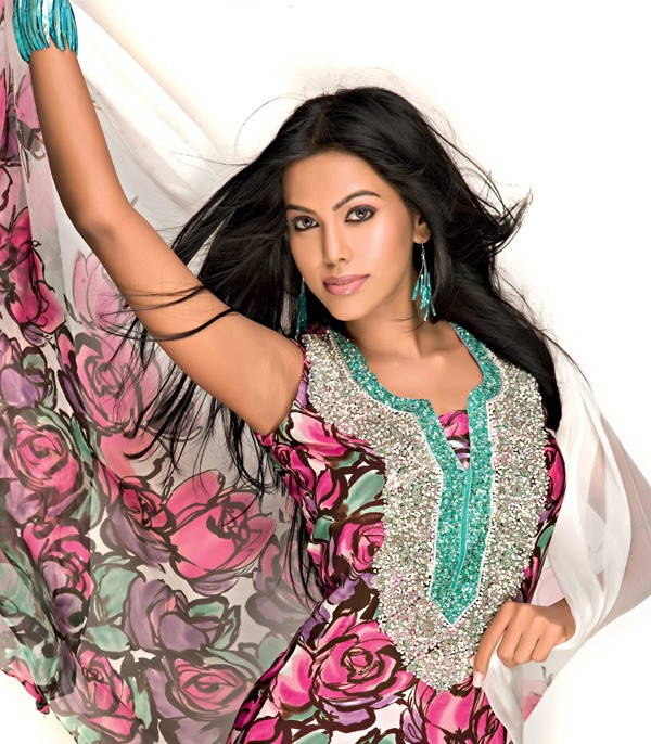 Be stylish here: Gul Ahmed Summer Lawn Collection 2011