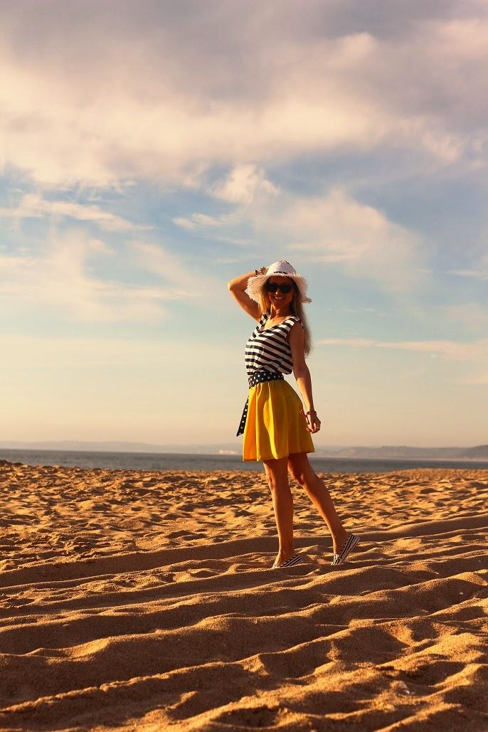 look do dia, ootd, navy style, moda, estilo marinheiro, riscas, amarelo, fashion, primavera verão 2014, tendências, slip-on, ténis slipper, sneakers,  sheinside dress, mo, h&m, blanco, chapéu floppy, bikini, outfit, polka dots, padrão de bolas, padrões, praia, verão, summer, beach look, style statement, dicas de imagem, consultoria de imagem, blogs de moda portugal, blogues de moda portugueses