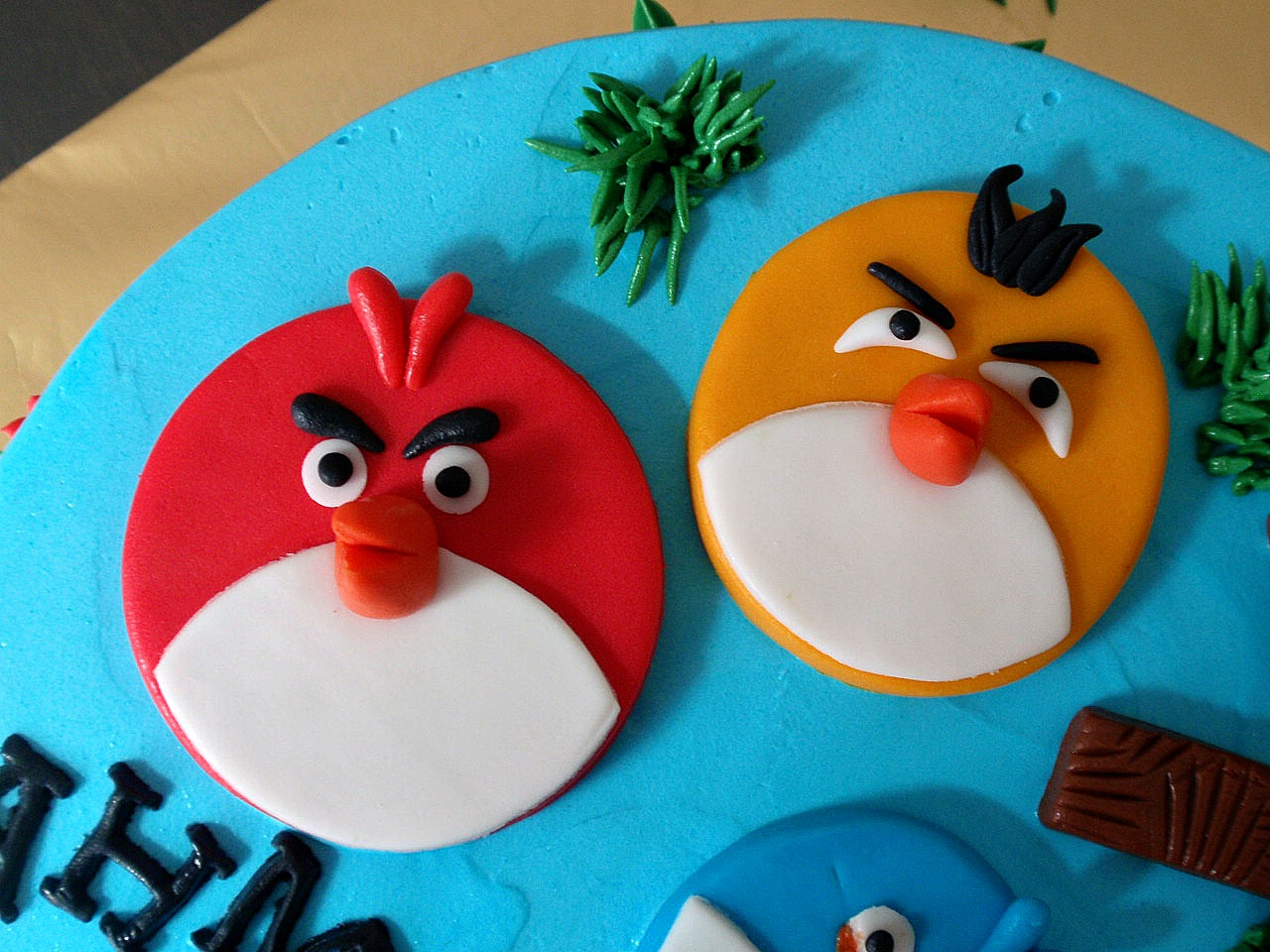 Edible Images - La Creme Cakes Angry birds edible cupcake images
