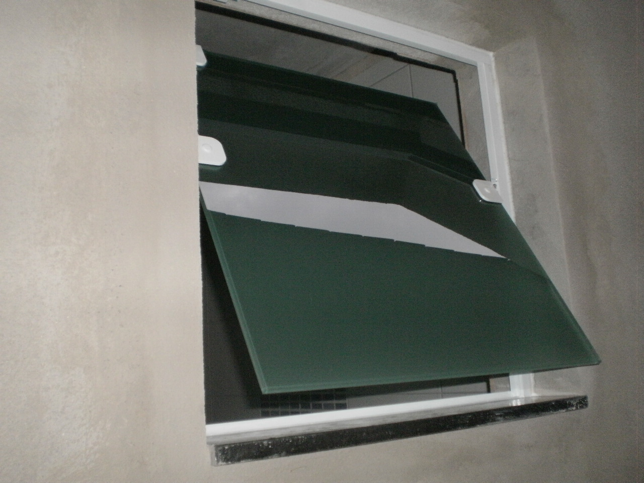 Vidraceiro em SP: Basculante de banheiro (vidro jateado) #28332D 1280 960