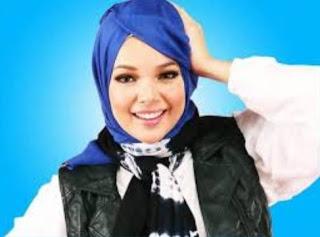Gambar Hijab Modern bya Dewi Sandra