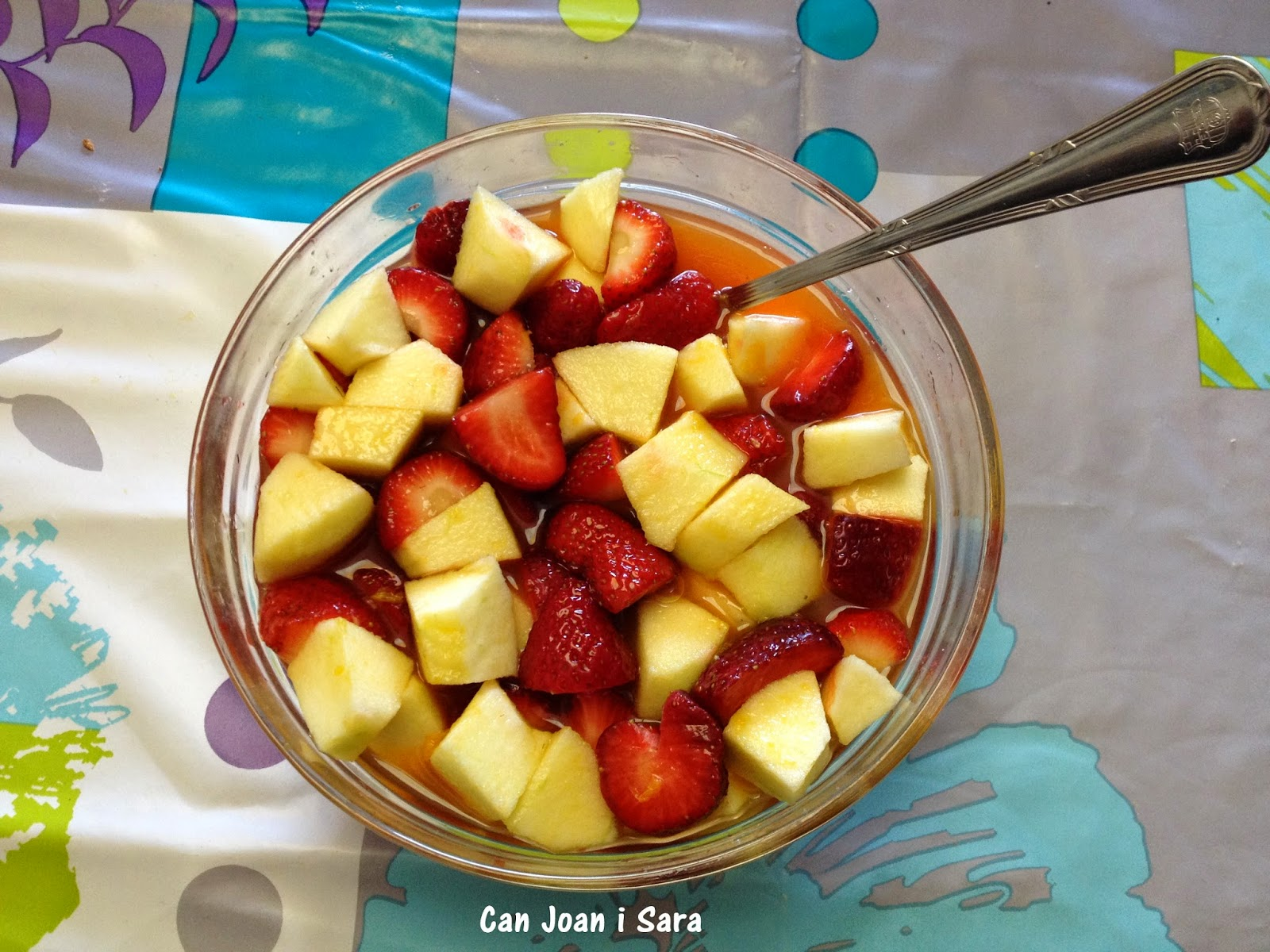 Fresas y manzana con zumo de mandarinas recetas de cocina - Postre con mandarinas ...