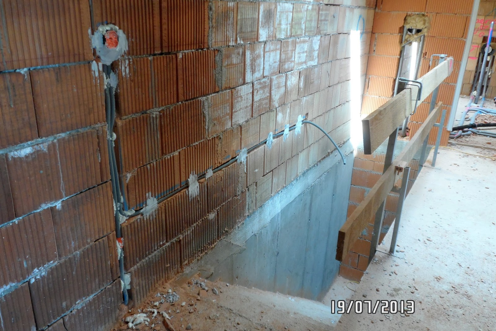 Keller neu verputzen 1920 keller halb unter der erde putz verputzen keller opferputz - Kellerwand abdichten altbau ...