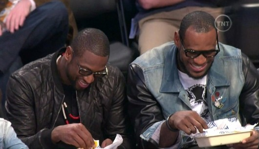 lebron-james-dwyane-wade-glasses-hot-dog-530x305.jpg