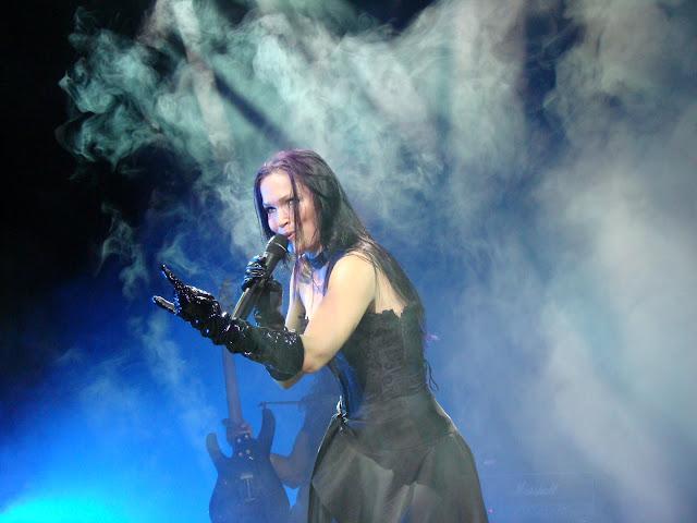 10 Beautiful Women - Metal Music