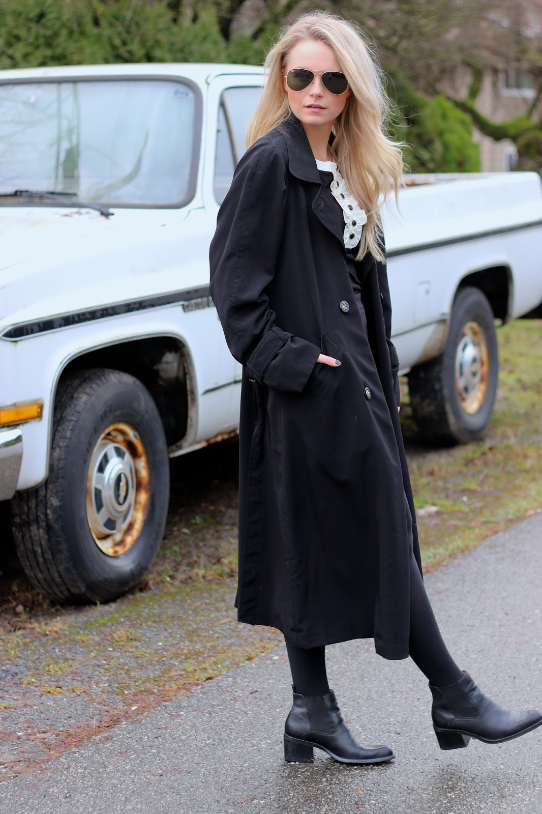 how to style all black