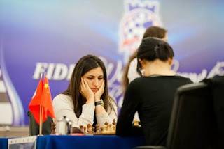 Echecs à Kazan: ronde 2, Hou Yifan 0-1 Betul Cemre Yildiz - Photo © Fide