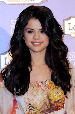 Selena Gomezclothing Line on Selena Gomez Clothing Line  Selena Gomez Pictures Selena Gomez Hot