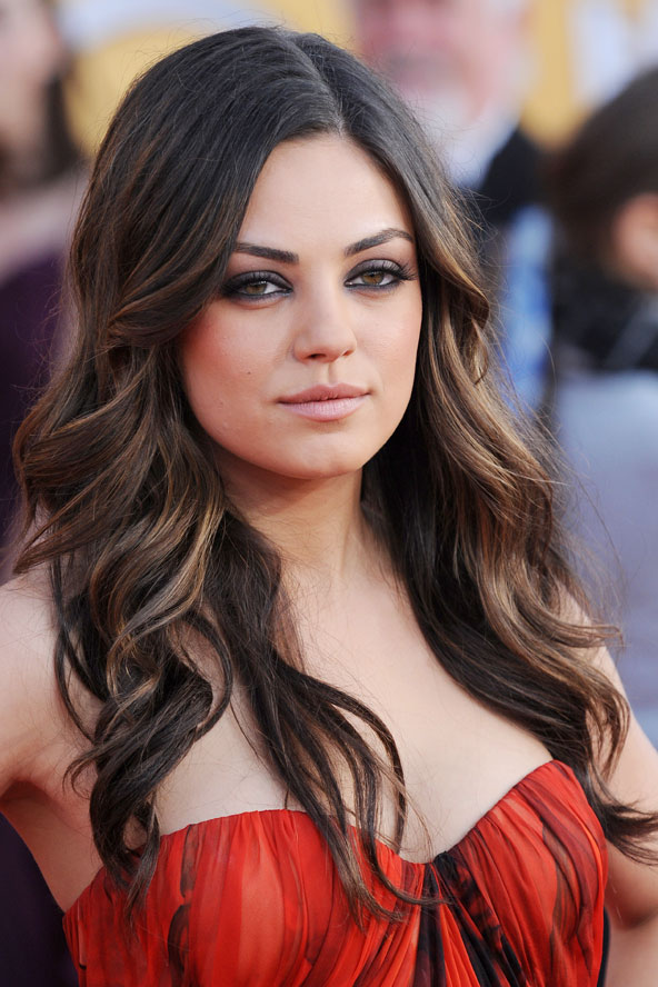 mila kunis hot wallpaper mila kunis hair. Black Bedroom Furniture Sets. Home Design Ideas