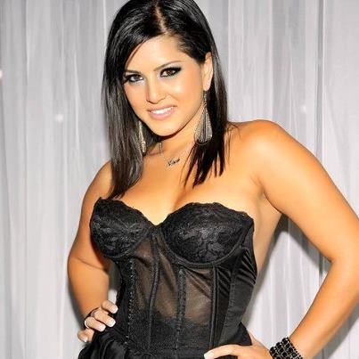 Sunny Leone in India. Some pics captured from Sunny Leone's past but