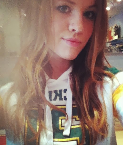 Beauty Babes NFL Selfie Edition Green Bay Packers Sexy NFL Football Packers Fans Taking