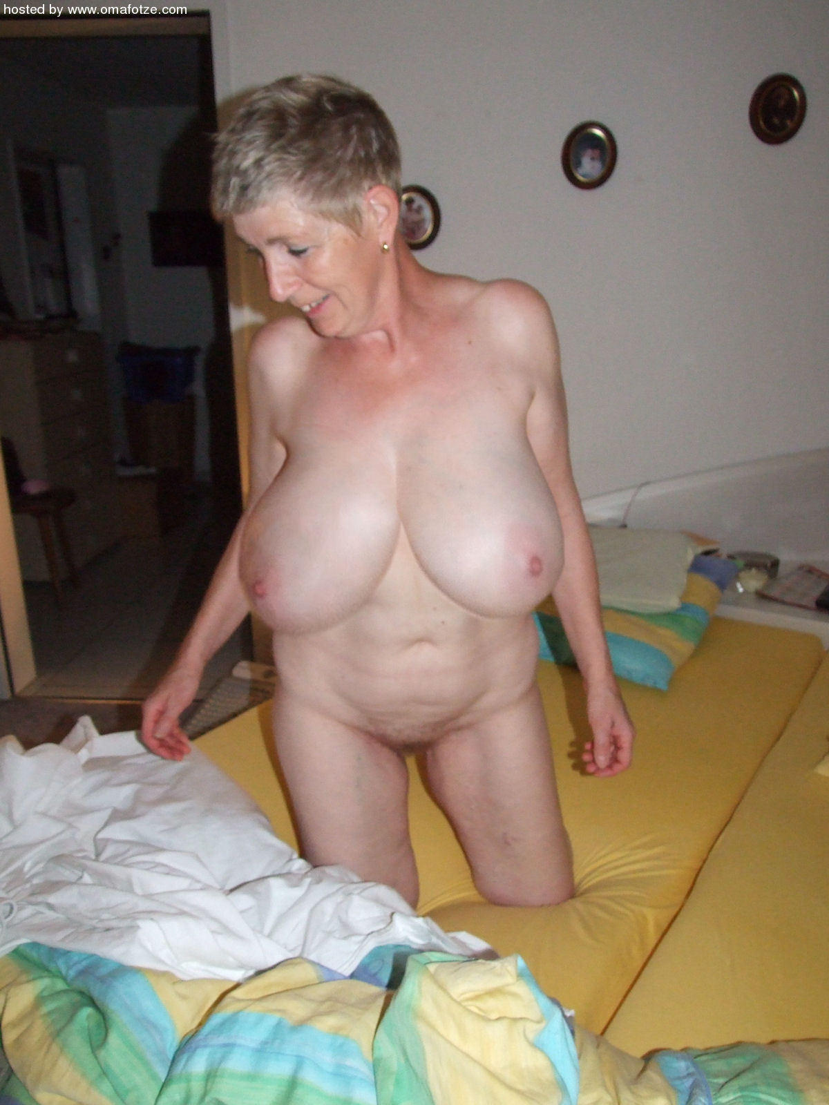 Naked mature tube