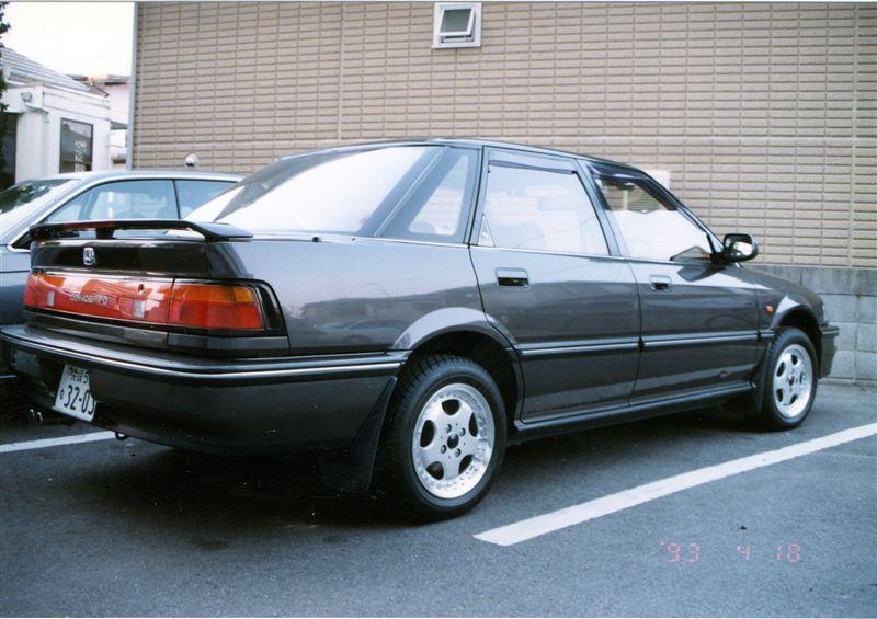Honda Concerto, sedan, tył, zdjęcia