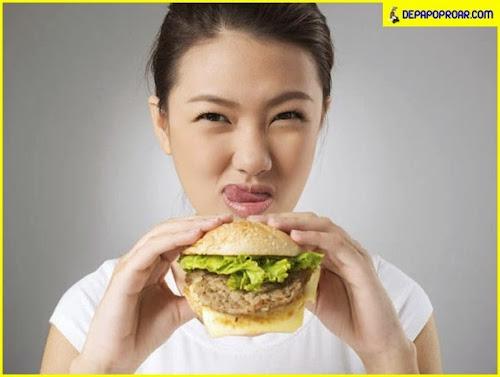 Conheça truques que lanchonetes de fast-food usam para fazer você comer mais