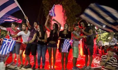 """Гръцкият премиер Алексис Ципрас """"изгори последните мостове, по които Гърция и Европа можеха да се придвижат към компромис"""""""