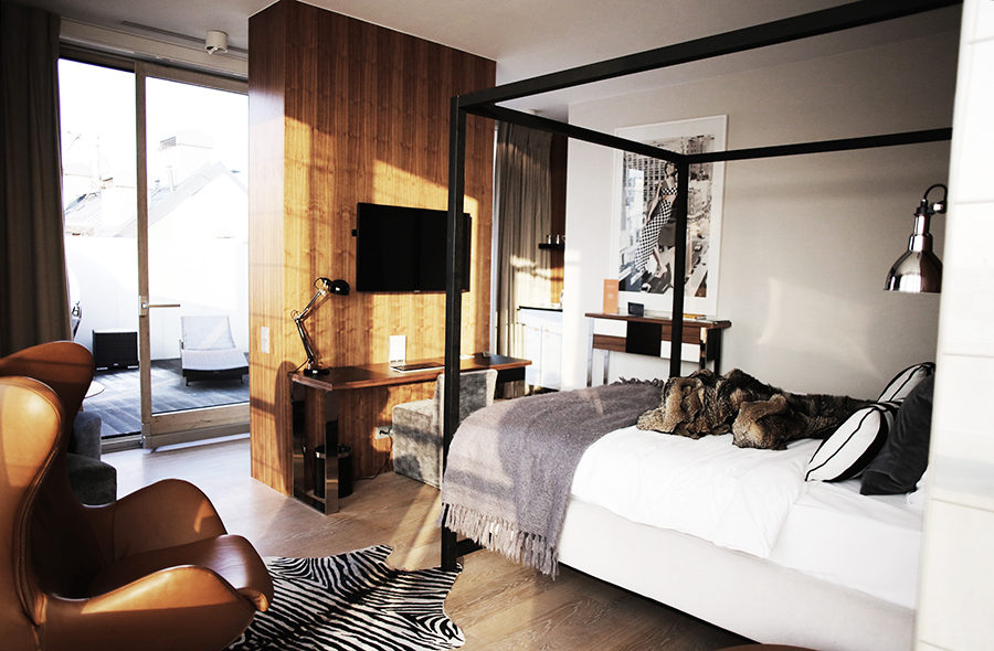 Turning A Corner One Is Greeted By The Room S Midcentury Modern Meets 70s Ski Chalet Chic With Touch Of Hunting Lodge