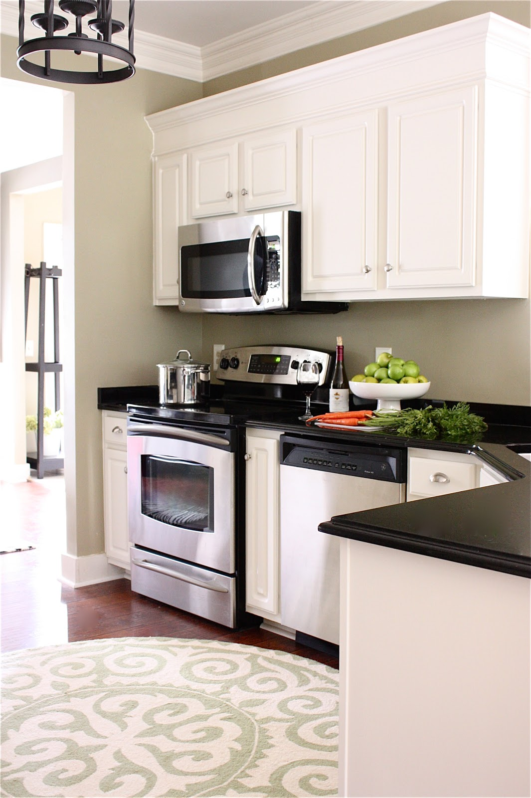 the yellow cape cod my kitchen makeover reveal. Black Bedroom Furniture Sets. Home Design Ideas