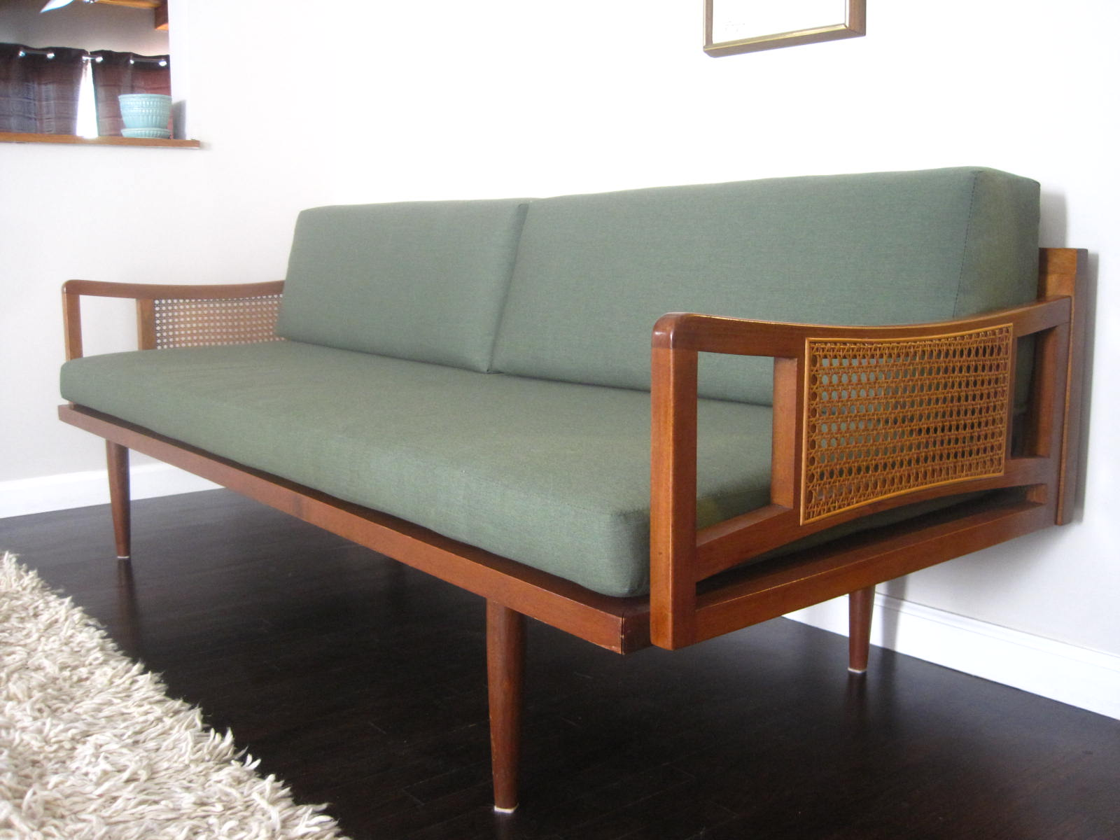 rhan vintage mid century modern blog mid century modern sofa. Black Bedroom Furniture Sets. Home Design Ideas