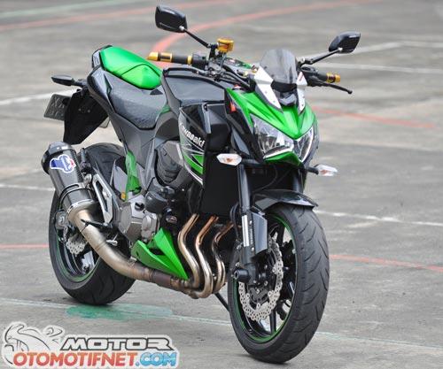 Modifikasi Kawasaki Z800 Si Hijau Yang Gahar