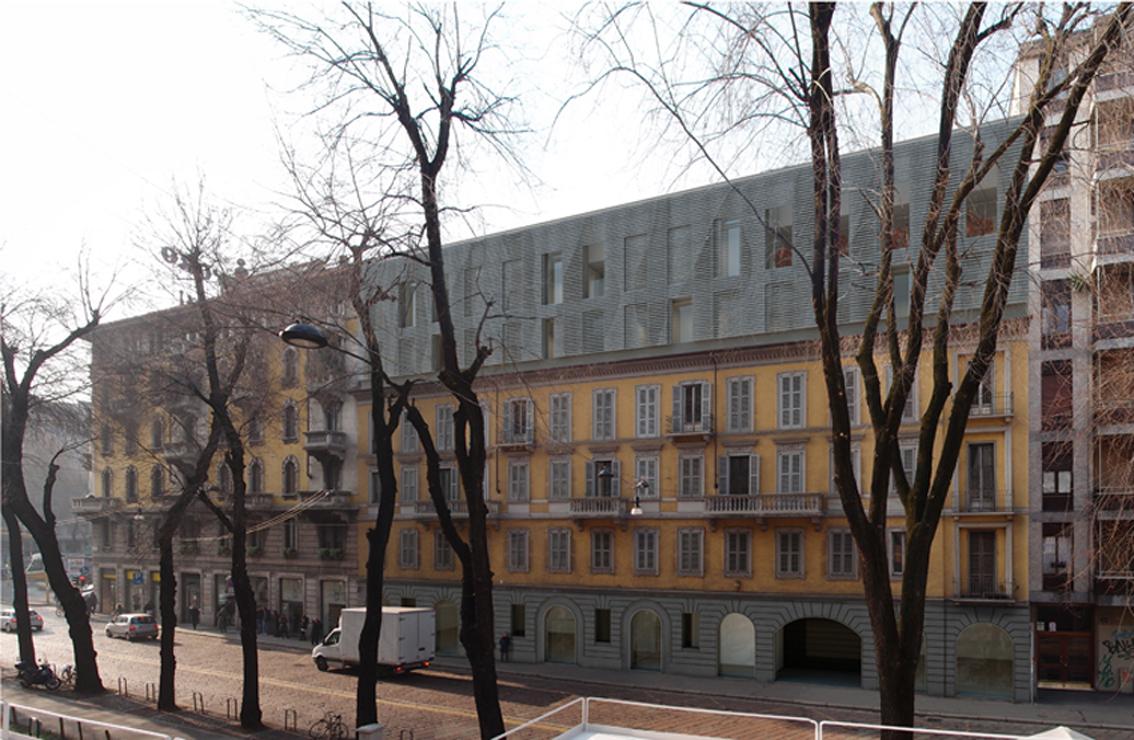Urbanfile milano zona porta genova due piani in pi for Palazzo a due piani