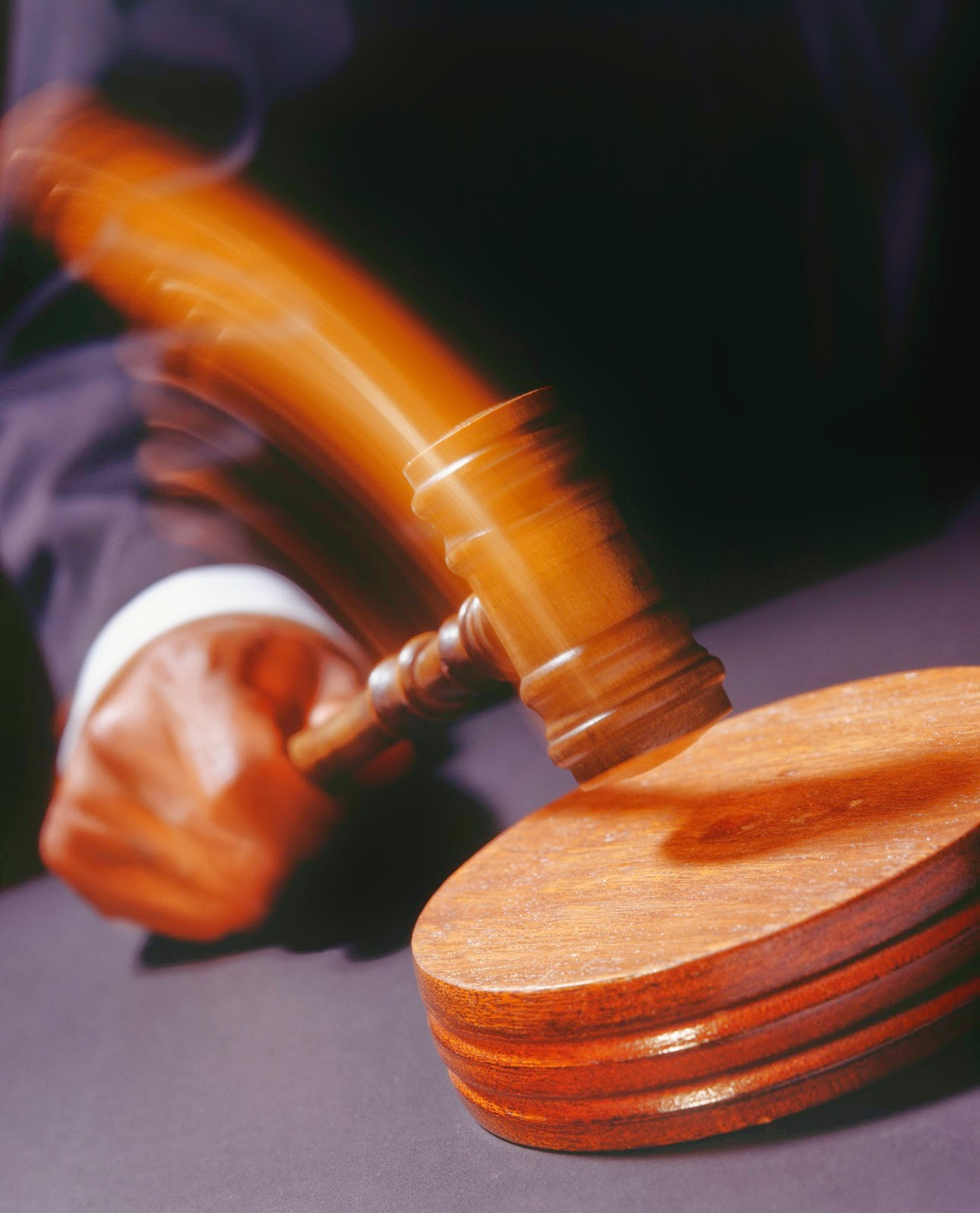 banging gavel