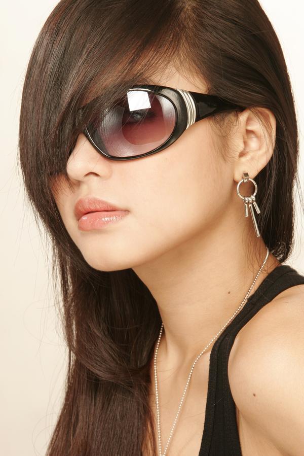 http://1.bp.blogspot.com/-2pyuUrqmBGM/TpWmWqYncTI/AAAAAAAAAi8/yrtAB-4gJKM/s1600/hairstyles%2Bfor%2Blong%2Bhair.jpg