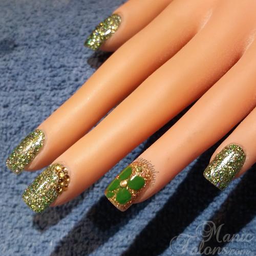 Glittery Acrylic Nails with Inlaid Acrylic Clover