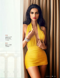 www.CelebTiger.com++GQ+Photoshoot+India+Sonam Kapoor08 Sonam Kapoor Shows Hot Cleavage In GQ India 2013 HQ Photos