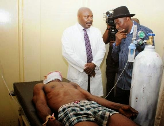 Picture 2 from President Goodluck Jonathan's Visit to Bomb Victims at Asokoro Hospital