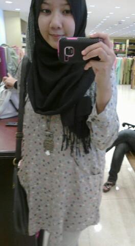 Awek pakai shawl bogel melayu bogel.com