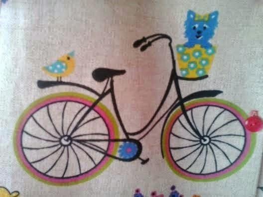 tela con estampado de bicicletas