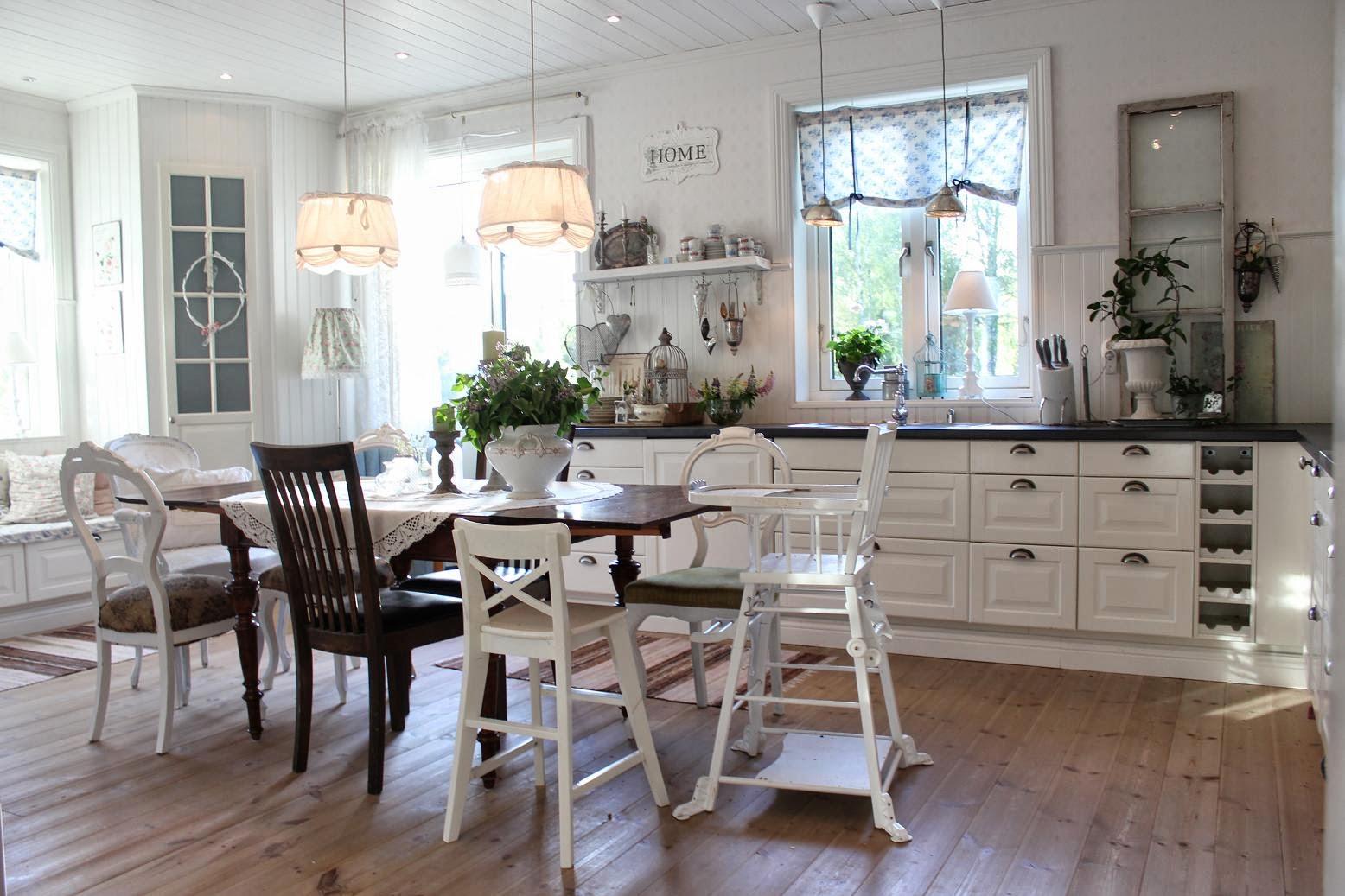 Claras hem pÅ byvÄgen : gammaldags känsla i köket