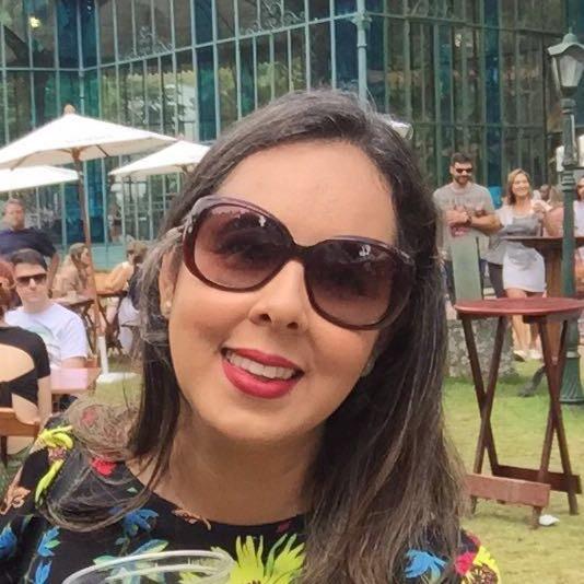 Quem escreve | Fabricia Beltrão