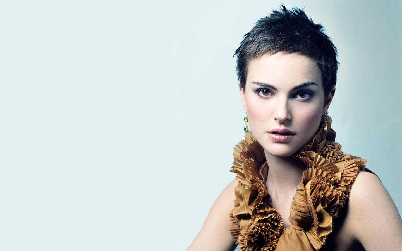 Natalie Portman Short Hair HD Image