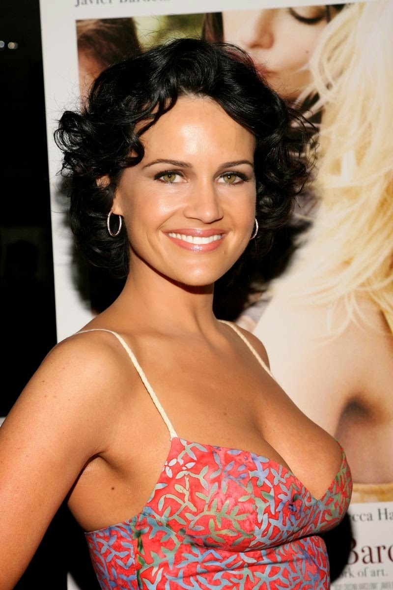 helicopter pilot with Carla Gugino on Ngepic together with Aerial Photography Oak Island Portfolio further Pic 97367 also Piloto helicoptero besides Symphony.