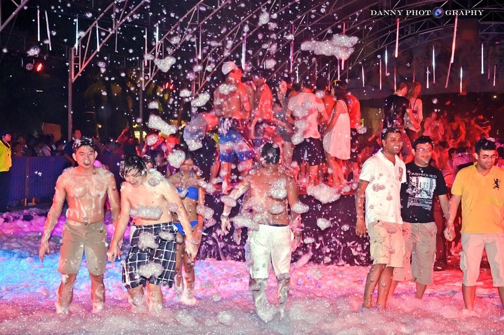 Sentosa Siloso Beach Party Countdown 2013 Danny Tan Photography