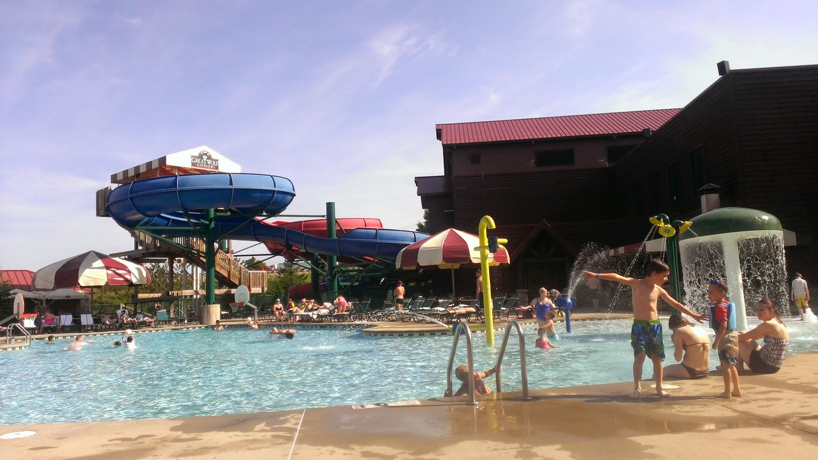 Wisconsin Dells Special Deals Weekly specials and discounted rates to attractions, accommodations, restaurants, and more! Eligibility and notifications to win many Dells area prizes in the Summer and Super Prizes in the Winter to area attractions and more.